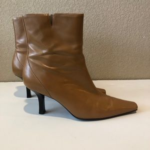 Gianni Bini Braxton Leather Ankle Boots